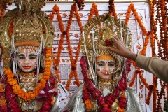 Children dressed as Hindu gods during Kumbh Mela pilgrimage - Allahabad, India - January 20, 2007